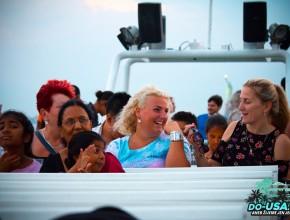 Užíváme si pořádnou atmošku na lodi :-)