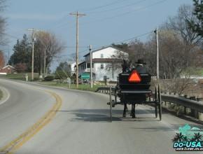 Provoz na silnici :D Na svých povozech musí mít vždy výstražný trojúhelník :-)