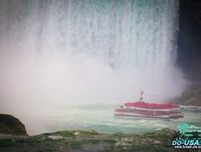 Červený pláštěnky měla kanadská strana :-)